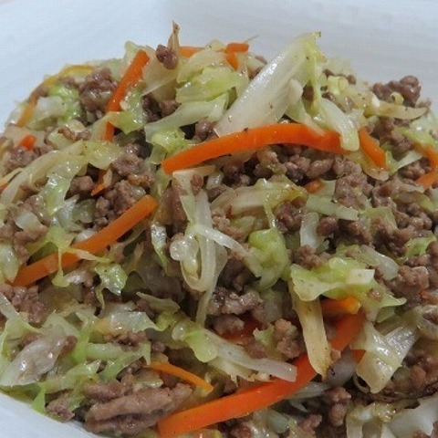 ひき肉とキャベツの炒め物