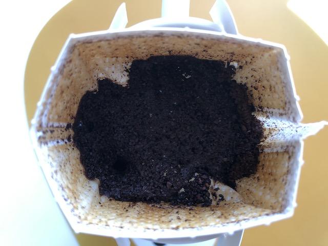 全体にコーヒーを少量かける