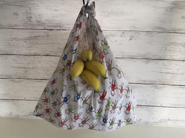 手ぬぐいのバナナ入れ