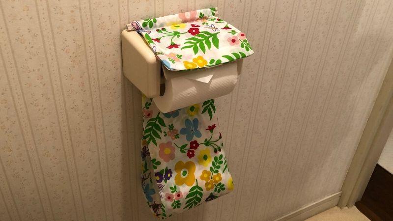 花柄の手ぬぐいのペーパーカバー